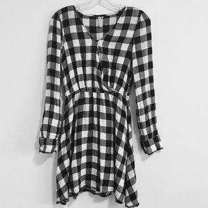 Checkered plaid v neck dress